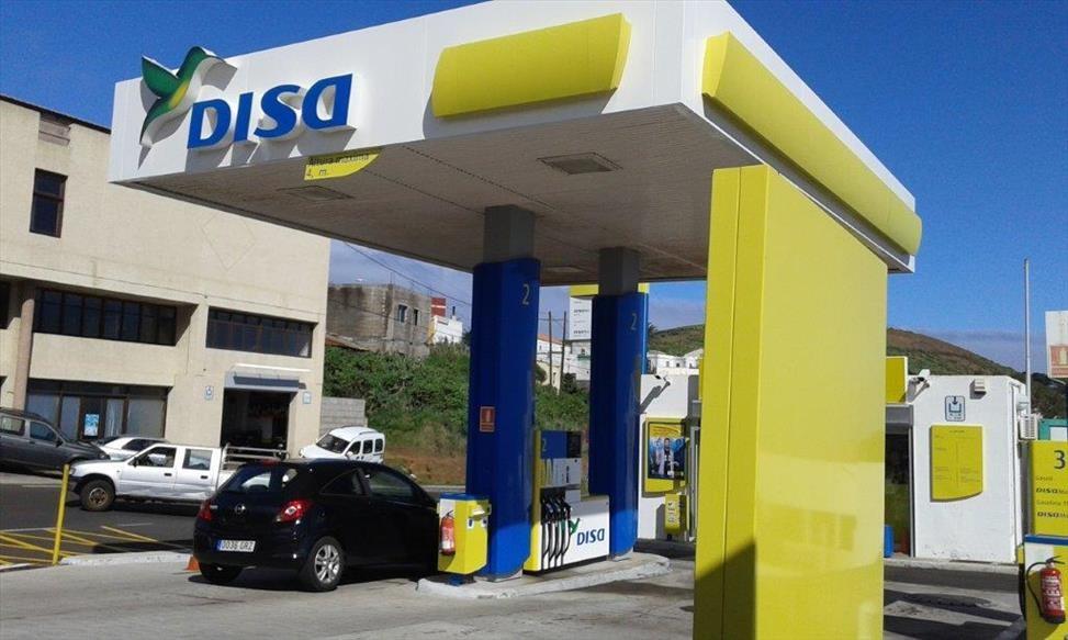 DISA aumenta un 20% el personal de sus estaciones de servicio durante el verano